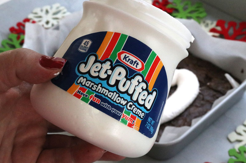 Add a layer of Jet Puffed Marshmallow Creme