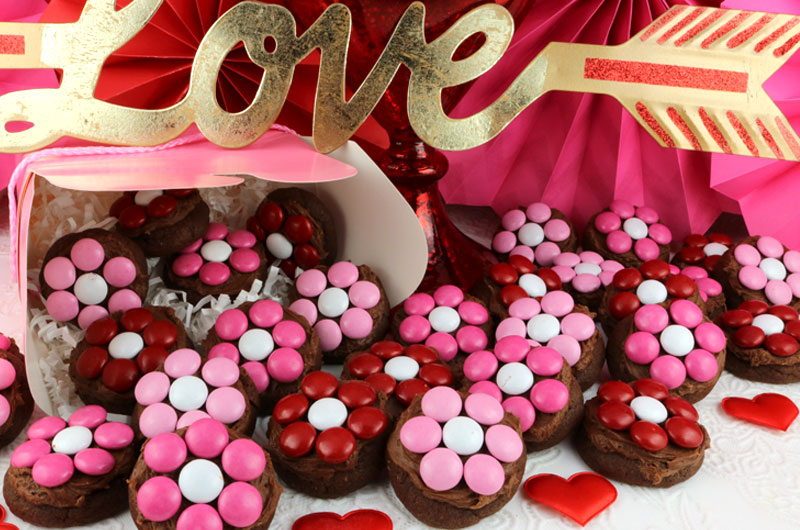 Valentine S Day Flower Cookie Bites Two Sisters